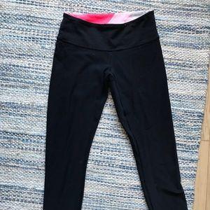 Size 4 lululemon reversible crop yoga pants
